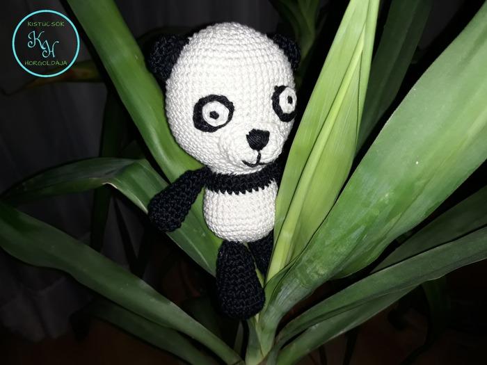 Horgolt panda, vagy nevén nevezve: Pandi